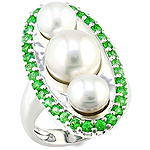 Tsavorite,pearl and silver ring.