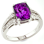 Amethyst and white diamond gold ring.