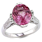 Spinel and white diamond gold ring.